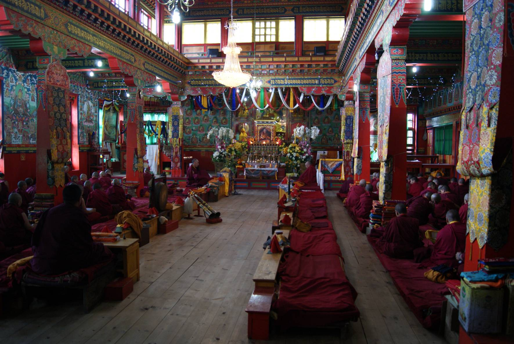 Tubthen Choling inside the Gonpa