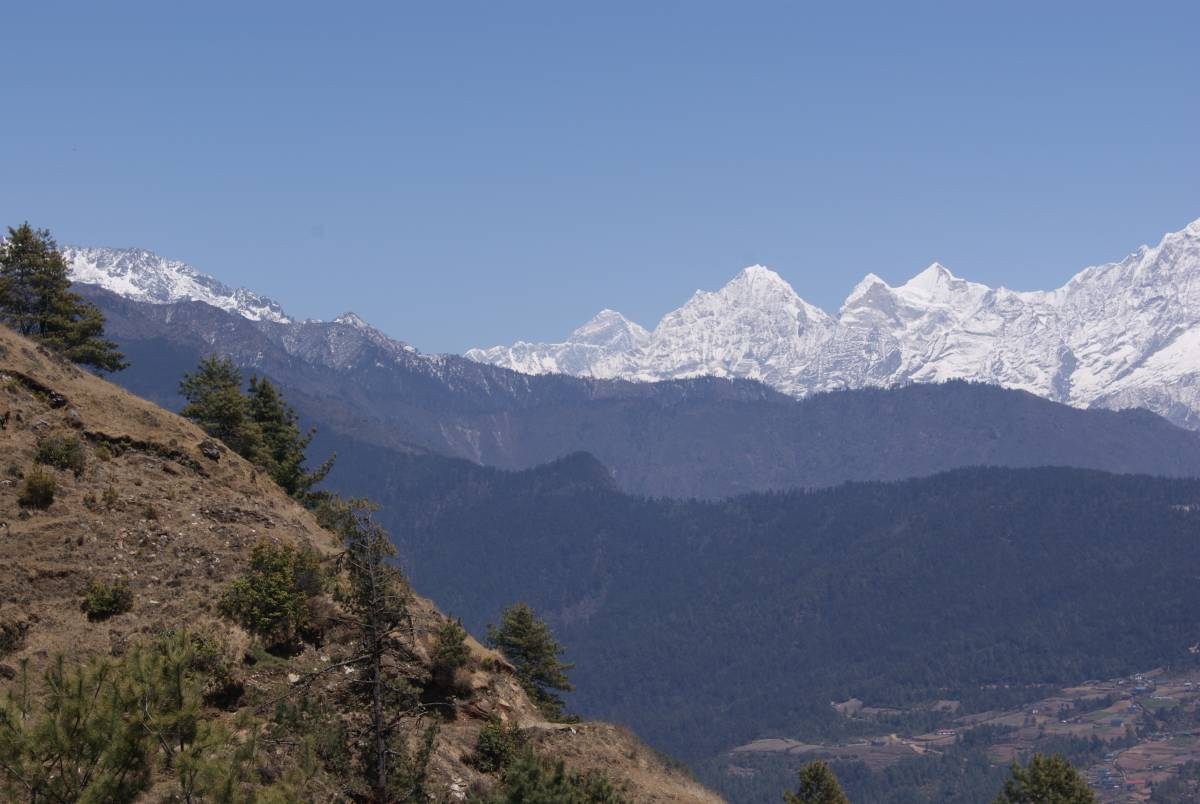 Way to Sailung and Trakshindo with Everest view